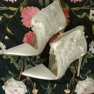 Wedding wing white heels vince camuto